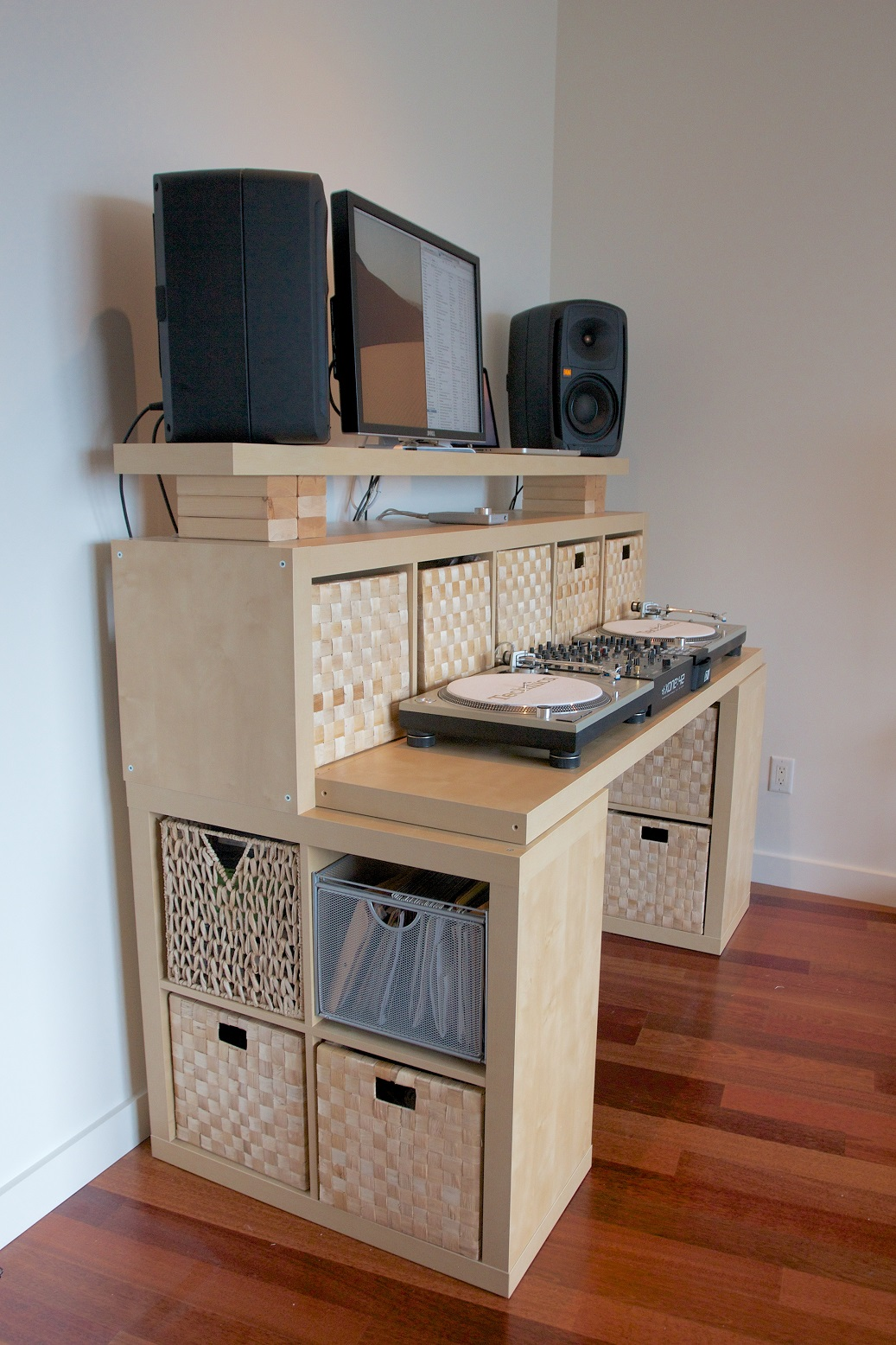 The Spaceship Diy Standing Desk A Massive Attractive