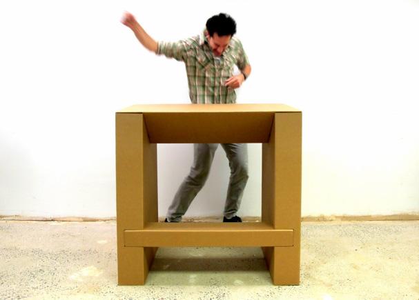 budget-standing-desk-cardboard-standing-desk2
