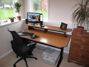 DIY-hand-crank-desk